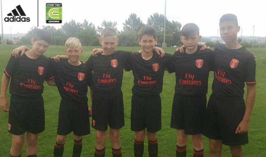 COERVER® PERFORMANCE ACADEMY PLAYERS TRAIN WITH SL BENFICA